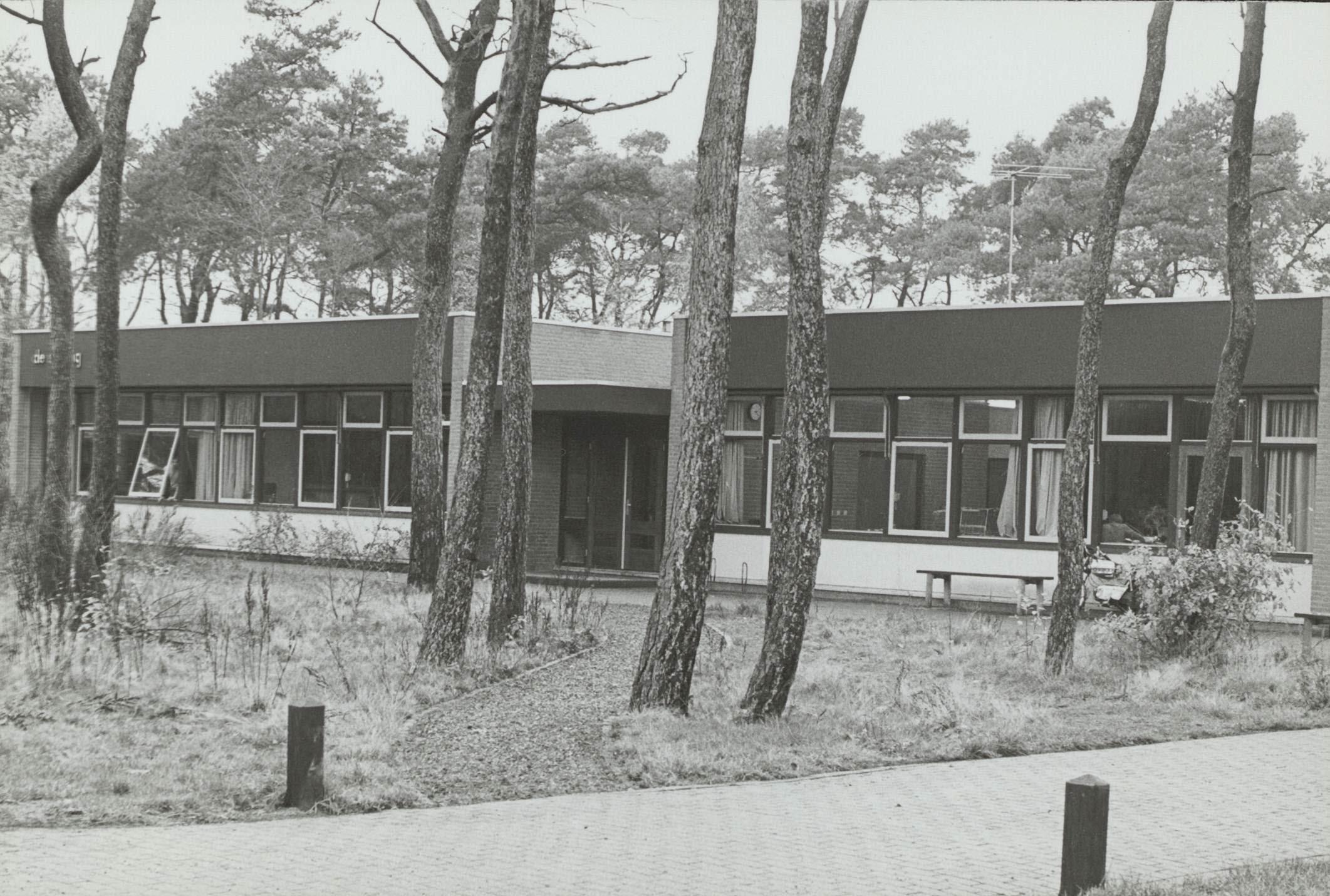 """1979: Opening school """"De Sprong"""""""